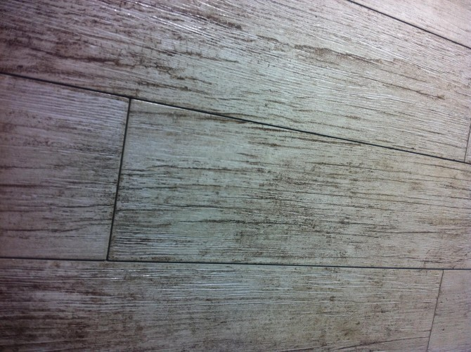 Gres tipo parquet € 15,90 Mq - www.ceramicasassuolo.it