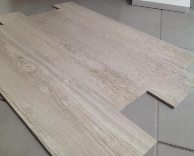 Casa moderna roma italy le forme piu for Piastrelle ceramica finto legno