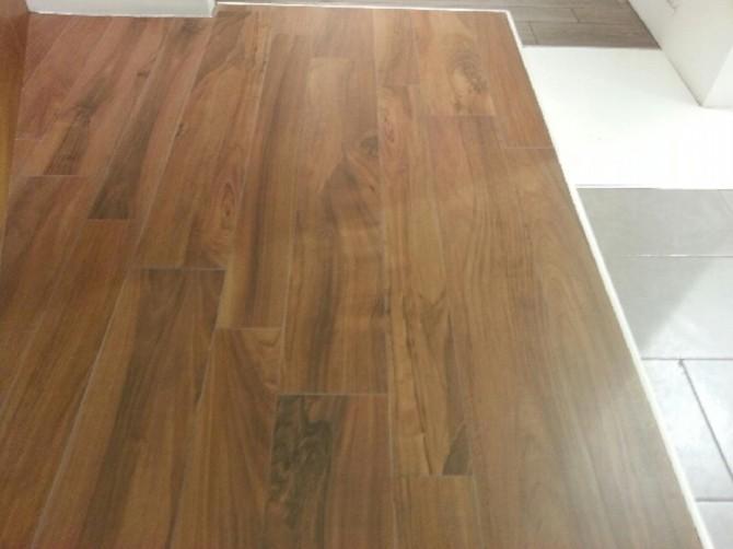 Gres effetto legno rettificato o no pannelli termoisolanti for Gres porcellanato finto legno